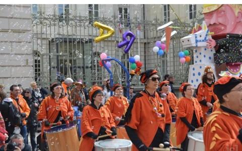 le-carnaval-a-mis-les-rues-en-ebullition-photo-jean-louis-navarro-1490207491